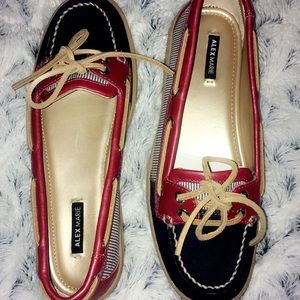NWT boat shoes rare and nautical design
